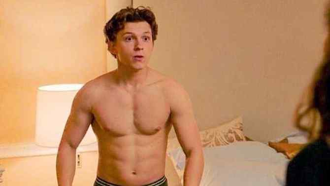 Tom Holland flaunts his abs in mirror selfie